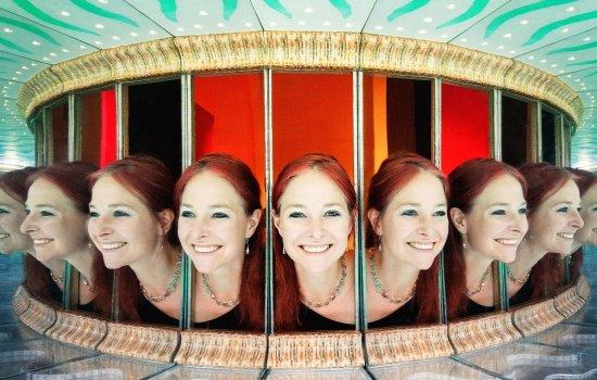 Multiple reflections of Professor Alice Roberts' head