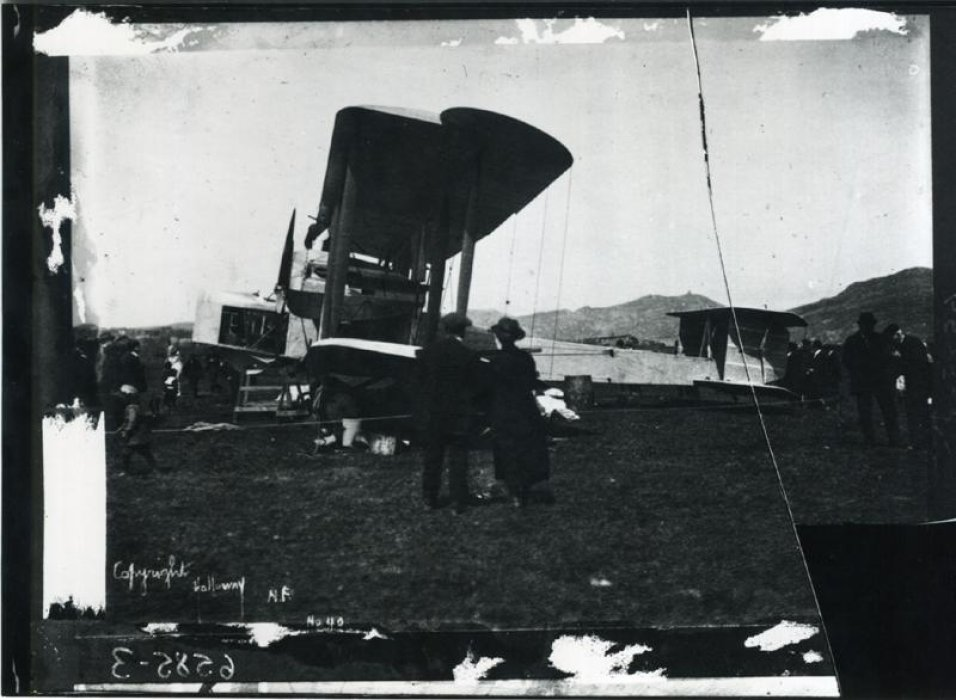 Spectators viewing Vickers Vimy, Newfoundland